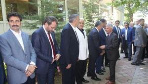Sakaryada protokol ve vatandaşlar bayramlaştı