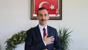 Başkan Vekili Çiçekli, vatandaşların bayramını Kürtçe kutladı