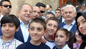Başbakan Yıldırım: Sayın Kılıçdaroğlu, bu sevdadan vazgeç