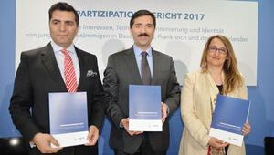 UETD raporu açıklandı: Türkler siyasete ilgili