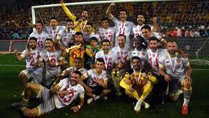 Göztepeyi Süper Lige çıkaran kadro dağılıyor