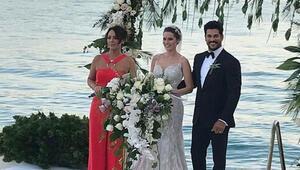 Burak Özçivit ve Fahriye Evcen nikah masasında... İşte ilk fotoğraflar