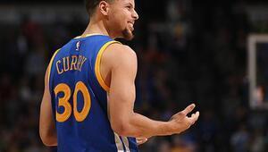 NBA'de forması en çok satılan isim Stephen Curry