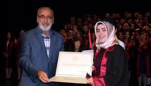 Atatürk Üniversitesi Tıp Fakültesinde kızların üstünlüğü