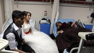Gelin ve damatla birlikte 143 kişi, düğün yemeğinden zehirlendi