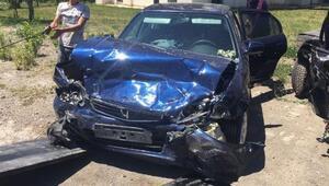 Sivasta iki otomobil çarpıştı: 1 ölü, 8 yaralı