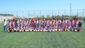 Sivasspor futbol okulu eğitime başladı
