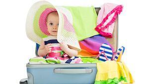 Bebekle tatile giderken yanınıza almanız gerekenler