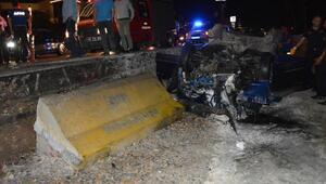 Bariyere çarpan otomobilde karı- koca öldü, 2 çocuk yaralı
