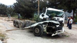 TIR ve tanker kazasında facianın eşiğinden dönüldü