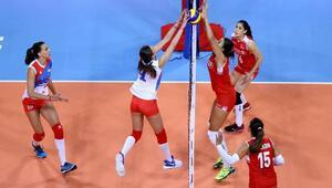 A Milli Bayan Voleybol Takımı ilk maçında yenildi