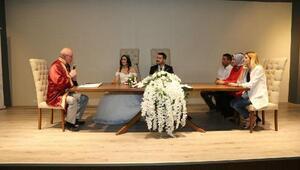 Başkan Kurt, nikah salonunun 1000inci nikahını kıydı