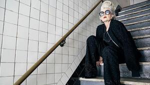 Üniversitenin 63 yaşındaki profesörü bir sabah moda ikonu oldu