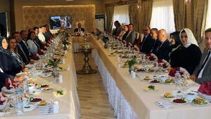 Vali'den Başsavcı Usta'ya veda yemeği