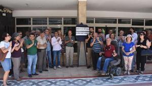 Konak Kent Konseyinden açığa alınan akademisyenlere destek