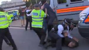 Londrada 15 Temmuz etkinliğinde terör örgütü PKK yandaşları, Türklere saldırdı