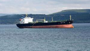 Yunan bayraklı tanker Çanakkale Boğazında karaya oturdu