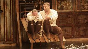 Bir Baba Hamlet Ege turnesinde