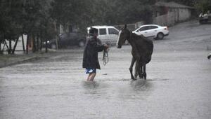 Trakyada sağanak yağış etkili oldu