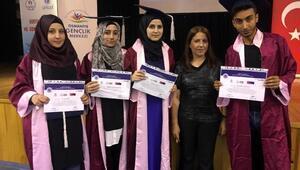 Türkçe öğrenen Suriyeli öğrencilere sertifika