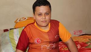 12 yaşındaki Müslümün hayali tedavi olup, Galatasarayın bir maçını tribünden izlemek