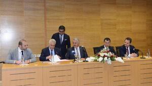 Bakan Arslan, Karsta lojistik merkez protokol imza törenine katıldı
