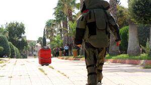Park girişindeki kırmızı valiz, bomba paniği yaşattı