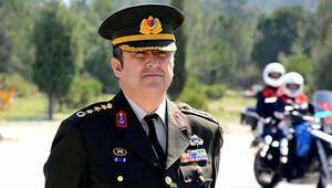 Darbeci askerleri yakalayan komutan terfi etti