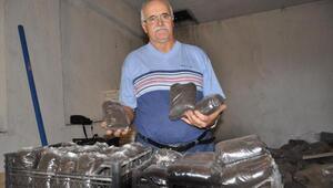 Emekli öğretmenden solucan gübresi üretimi
