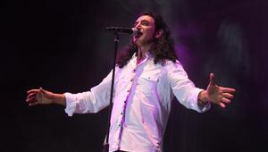 Murat Kekilli, Kocaeli Fuarında konser verdi