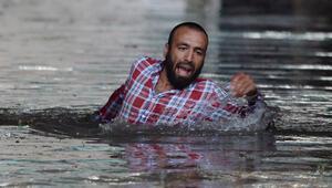 Sağanak ve fırtına İstanbulu vurdu