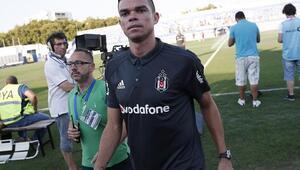 Beşiktaşta defans eleştirileri erken başladı