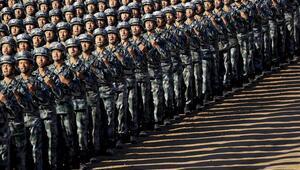 Çinden gövde gösterisi