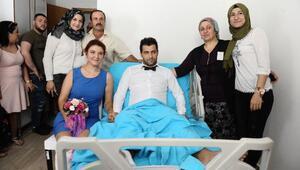 Kaza yapan çiftin nikahı hastane odasında kıyıldı