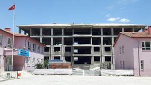 Okul inşaatına yeni ihale