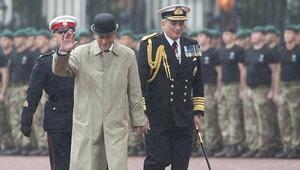 İngiltere Kraliçesinin eşi Philip emekliye ayrıldı