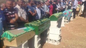 Tatil dönüşü kazada ölen 6 kişilik gurbetçi ailenin cenazeleri Gaziantepe getirildi (4)