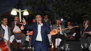 2 gün önce yangın çıkan ciğer restorana Mahmut Tuncerli açılış