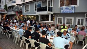 Marmariste şehit ailesinden polislere yemek