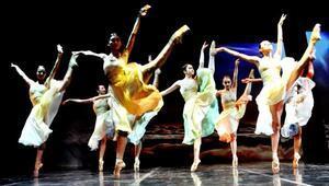 Bodrumdaki bale festivalinde iki gösteri birden