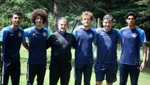 Adana Demirsporda 4 genç profesyonel oldu
