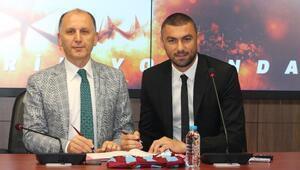 Trabzonspor, Burak Yılmaz ile sözleşme imzaladı