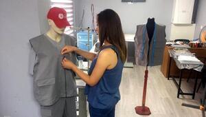 Kadınlar, iş elbiseleri üretimine başladı