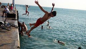 Tatilci de turizmci de tatil kararını bekliyor