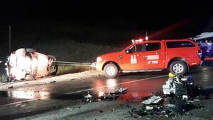 Kopta otomoobil ile minibüs çarpıştı, 1 polis öldü. 13 kişi yaralandı