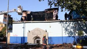 Kasımpaşada tarihi Büyük Hamam yandı
