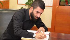 Arda Turanın menajeri Ahmet Bulut kulüp binasına geldi