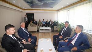 Vali Elban Hamur ilçesini ziyaret etti