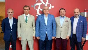 Yargıtay Cumhuriyet Başsavcısı Mehmet Akarca Ümit Kalko'yu ziyaret etti