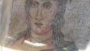 Kadın yüzü motifli... Satmak isterken yakalandılar